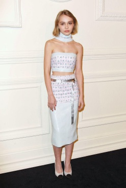 lily-rose-depp-chanel-paris-salzburg-metiers-dart-collection-03